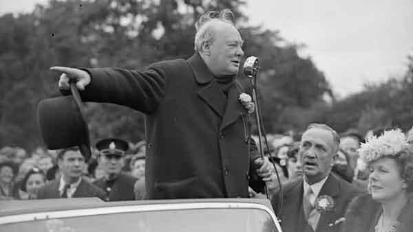у Черчилля было довольно серьезное нарушение речи