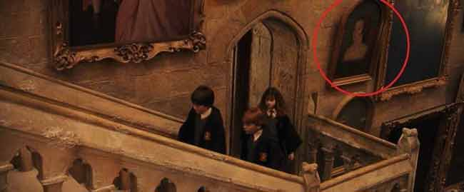 """Портрет Анны можно увидеть висящим вдоль лестниц в Хогвартсе в """"Гарри Поттере и философском камне"""""""