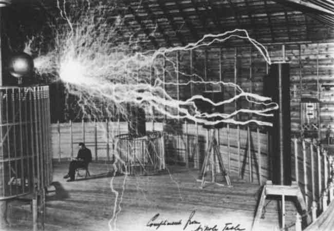 Никола Тесла и беспроводное электричество