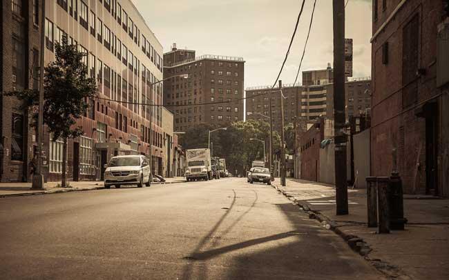 пустые улицы в США