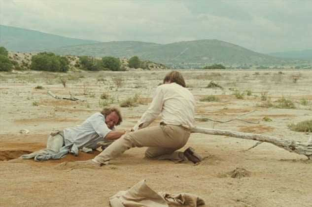 Как спастись из зыбучих песков?