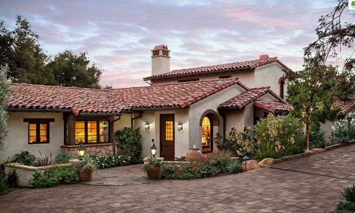 Испанский стиль крыши