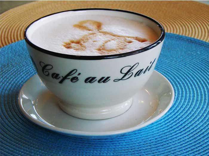 Кафе с молоком (Кафе-о-ле)