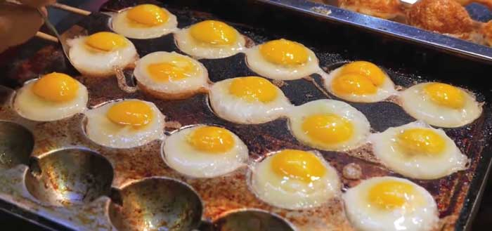 Перепелиные яйца на палочках